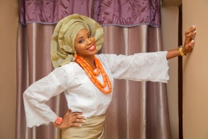 Nigerian traditional wedding attire white and gold lace and aso oke makeup IMG_0033