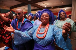 nigerian attire blue lace on blue aso oke IMG_1543