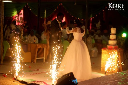 lagos Nigeria wedding lights photography romantic couple's dance ayobami-tosin