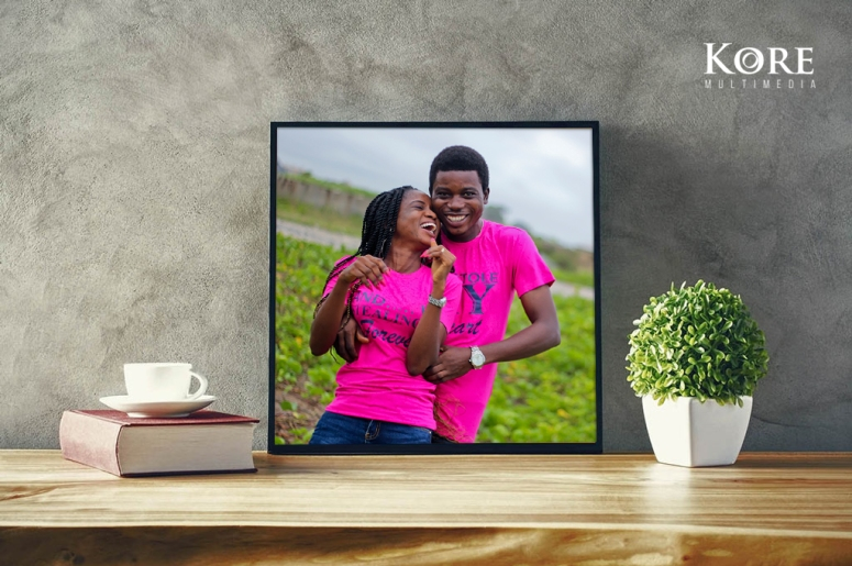 Couple frame mockup - Copy